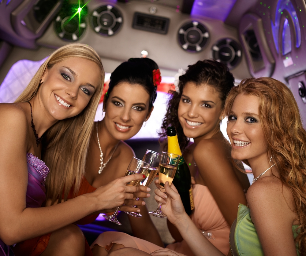 hen night limo hire london limo dinner club essex limos. Black Bedroom Furniture Sets. Home Design Ideas